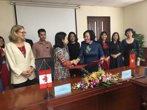 Le Canada aide le Vietnam a perfectionner le cadre juridique relatif aux marches traditionnels hinh anh 1