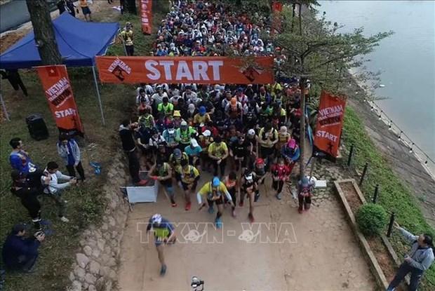 Les coureurs vietnamiens remportent le Marathon en sentier du Vietnam 2020 hinh anh 1
