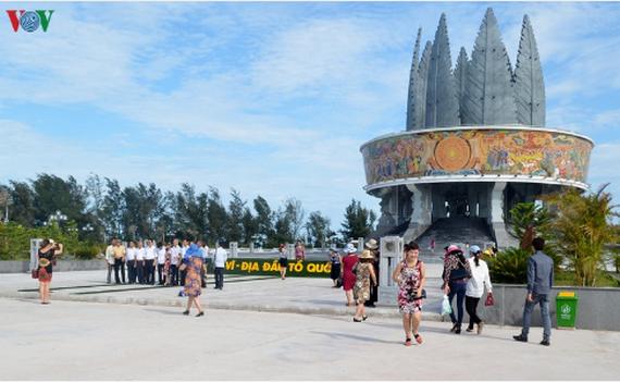 Le Vietnam recoit deux prix du tourisme durable de l'ASEAN hinh anh 1