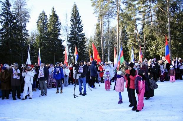 L'ambassade du Vietnam participe aux Jeux diplomatiques d'hiver en Russie hinh anh 1