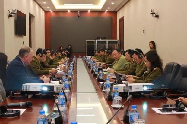 Le Royaume-Uni partage ses experiences dans la gestion de marche avec le Vietnam hinh anh 1