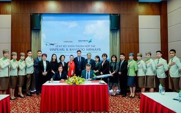 Bamboo Airways et Vinpearl cooperent pour developper des produits touristiques et aeriens hinh anh 1