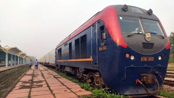 Transport ferroviaire de fruits frais exportes en conteneurs frigorifiques vers la Chine  hinh anh 1