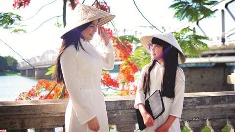 Le chapeau en feuilles hinh anh 1