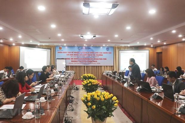 Des experts internationaux aident la formation a la gestion durable de la dette au Vietnam hinh anh 1