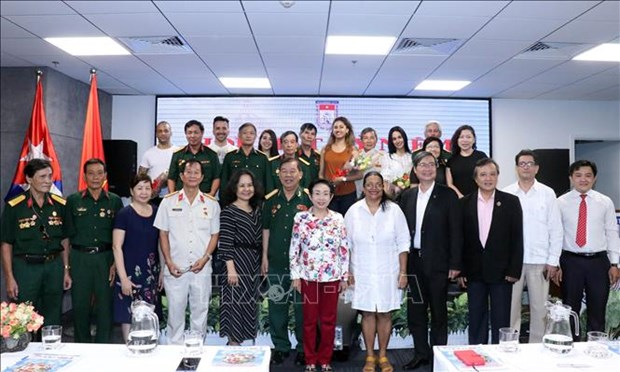 Consolidation des relations d'amitie traditionnelle speciale Vietnam - Cuba hinh anh 1
