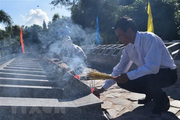Les restes de 72 soldats inhumes a Kien Giang hinh anh 1
