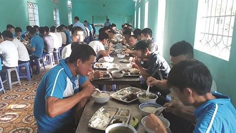 Les collaborateurs speciaux d'un centre de desintoxication a Hai Phong hinh anh 2