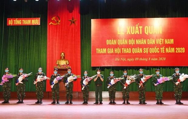 """Ceremonie marquant le depart de la delegation militaire du Vietnam participant aux """"Army Games 2020"""" hinh anh 1"""