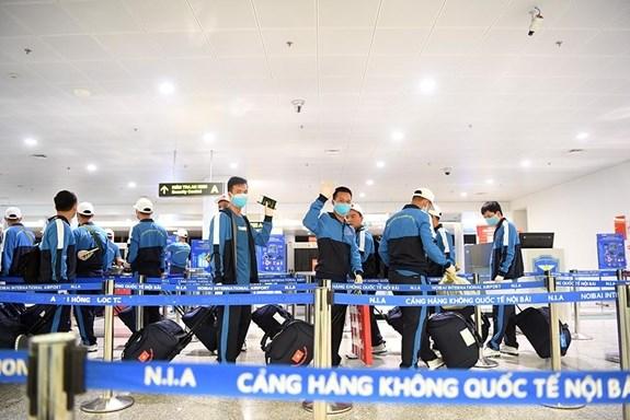 """La delegation militaire du Vietnam participant aux """"Army Games 2020"""" est arrivee en Russie hinh anh 1"""