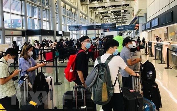 COVID-19 : rapatriement de plus de 340 citoyens vietnamiens bloques en Russie hinh anh 1