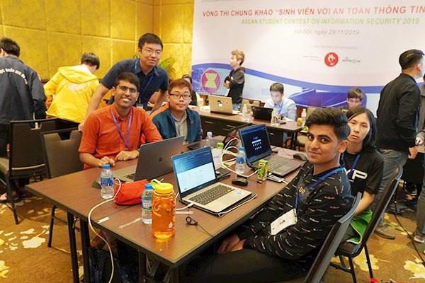 Les etudiants de l'ASEAN rivalisent sur la securite de l'information hinh anh 1