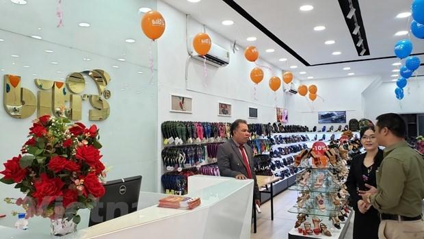 Chaussures: les produits de Biti's seduisent les consommateurs cambodgiens hinh anh 1
