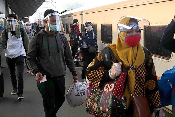 Indonesie : le secteur du transport ferroviaire enregistre une grande perte en raison du COVID-19 hinh anh 1