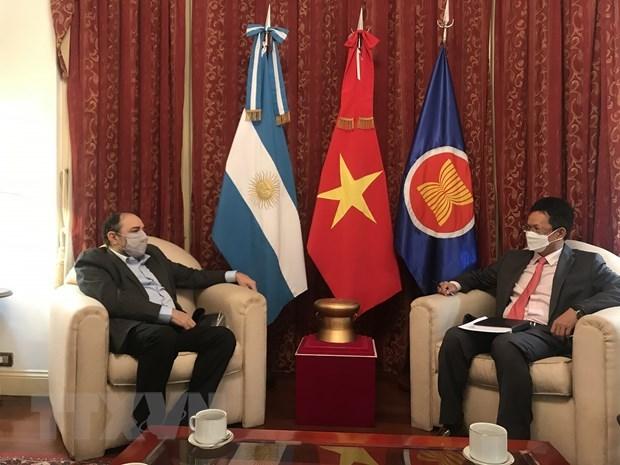 Promotion de la cooperation entre la Radio Nacional Argentina et la Voix du Vietnam hinh anh 1