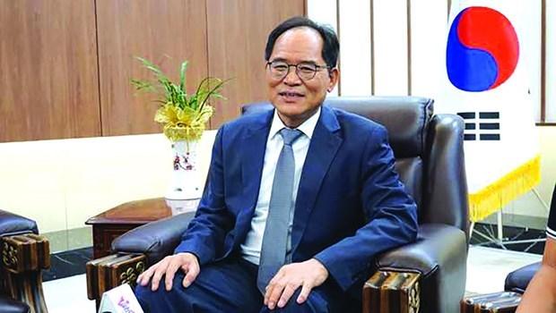 L'ambassadeur sud-coreen transmet un message d'espoir via un clip video en vietnamien hinh anh 1