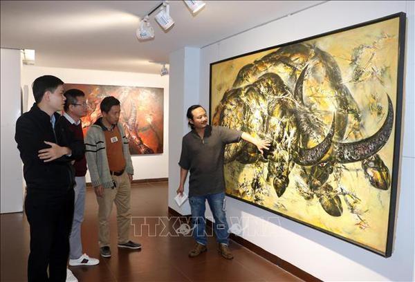 L'exposition sur le buffle, signe du zodiaque de l'annee 2021, a Da Nang hinh anh 2
