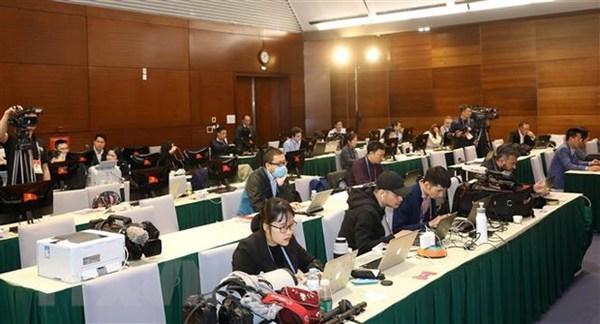 Des chercheurs internationaux prevoient la prochaine voie de developpement du Vietnam hinh anh 1