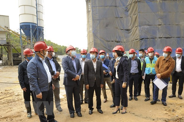 Prorogation de la mise en service de la plus grande usine d'incineration des dechets de Hanoi hinh anh 2