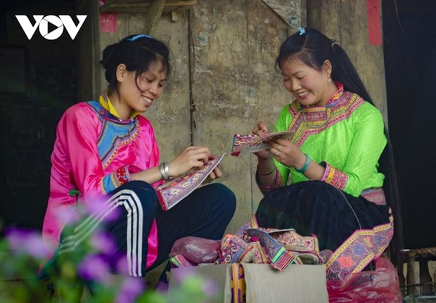 Dien Bien: deux patrimoines inscrits sur la liste du Patrimoine culturel immateriel national hinh anh 1