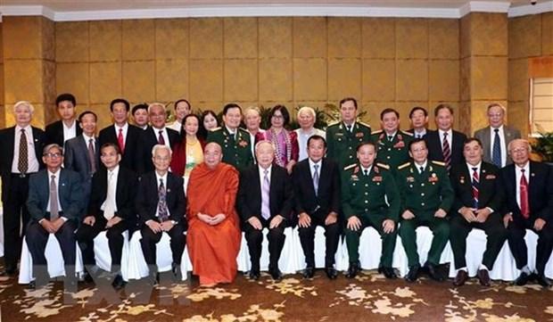 Renforcement des echanges entre les Vietnamiens et les Cambodgiens hinh anh 1