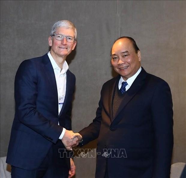 Le Premier ministre vietnamien recoit les dirigeants de groupes de premier rang mondial hinh anh 1