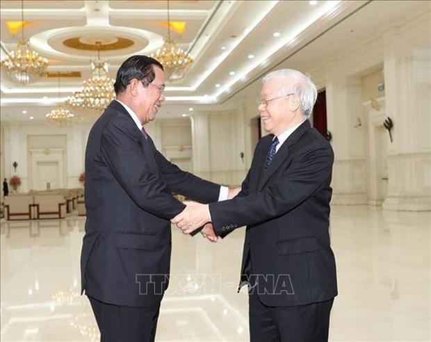 Entrevue entre Nguyen Phu Trong et Samdech Techo Hun Sen hinh anh 1