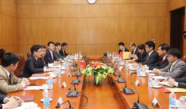 Vietnam-Laos: des experiences dans l'elaboration des politiques du developpement socio-economique hinh anh 1