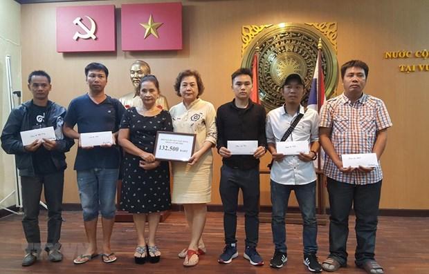 Aides aux victimes vietnamiennes dans l'accident de bus en Thailande hinh anh 1