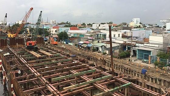 HCM-Ville : 8.000 milliards de dongs supplementaires pour lutter contre les inondations hinh anh 1