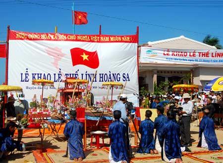 Culte a la memoire des soldats en mission a Hoang Sa hinh anh 1