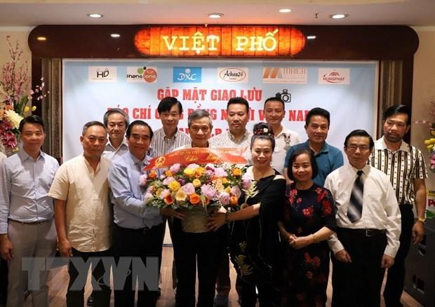 Un echange de presse avec la communaute des Vietnamiens en Allemagne hinh anh 1