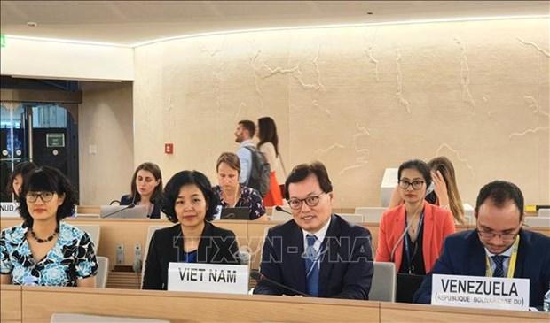 Conseil des droits de l'homme: discussion sur le droit des femmes et le changement climatique hinh anh 1