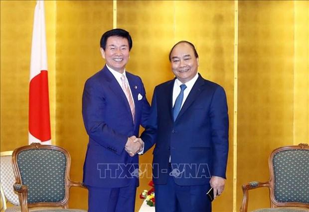 Le Premier ministre Nguyen Xuan Phuc recoit les dirigeants de certaines localites japonaises hinh anh 1