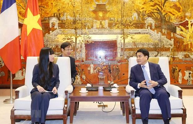 Hanoi intensifie sa cooperation avec la France dans les transports urbains hinh anh 1