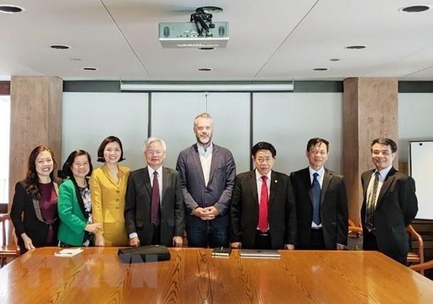 Le Vietnam et le Canada partagent des experiences dans la gestion publique  hinh anh 1