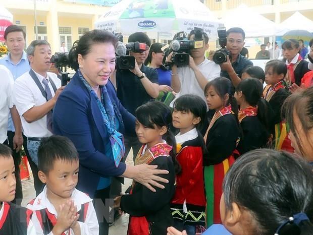 La presidente de l'AN Nguyen Thi Kim Ngan se rend dans la province de Quang Ninh hinh anh 1