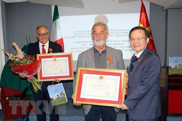 Le vice-president de l'AN Phung Quoc Hien en visite de travail en Italie hinh anh 1