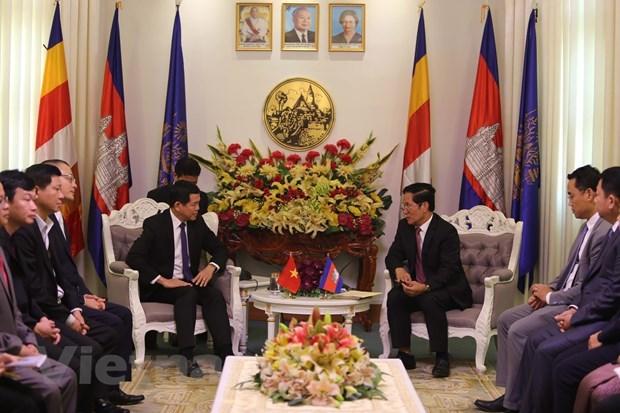 Phnom Penh propose a Ba Ria-Vung Tau d'ouvrir une ligne de bus touristique hinh anh 1
