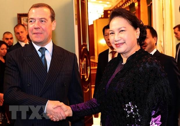 Entrevue entre la presidente de l'AN vietnamienne et le Premier ministre russe hinh anh 1