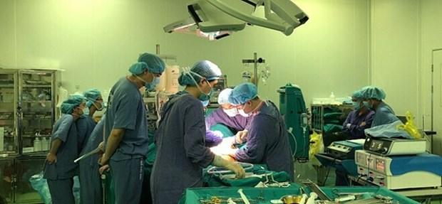 Le Vietnam effectue une double greffe a un patient etranger hinh anh 1