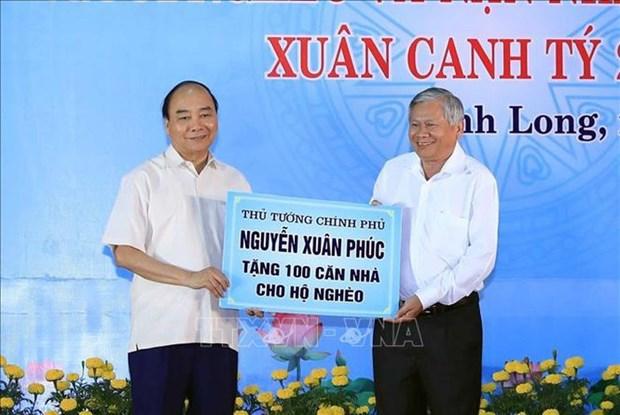 Le Premier ministre Nguyen Xuan Phuc assiste au programme