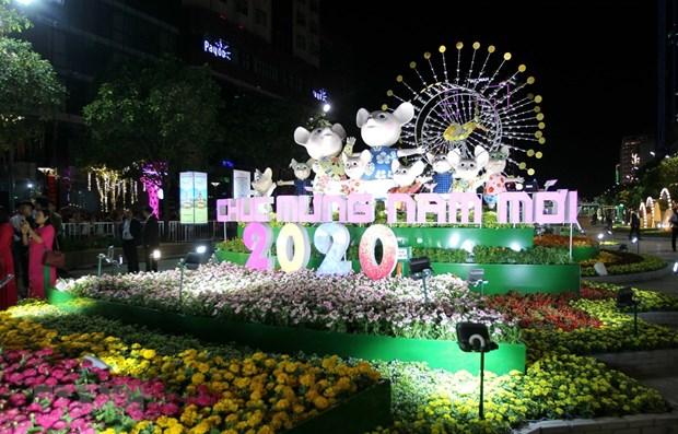 HCM-Ville : ouverture du festival de la rue des livres et de la rue florale Nguyen Hue hinh anh 2