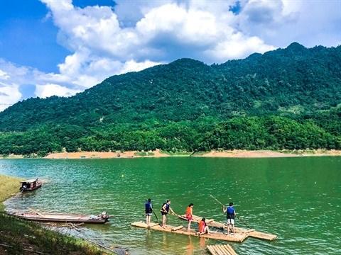Nature et culture au Maichau Hideaway Lake Resort hinh anh 1