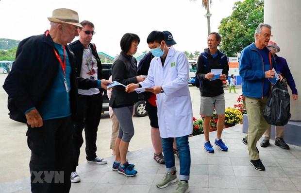 Coronavirus : ne pas accueillir de touristes en provenance des zones contaminees hinh anh 1