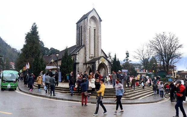 Tet: le nombre de touristes etrangers en baisse a Lao Cai hinh anh 1