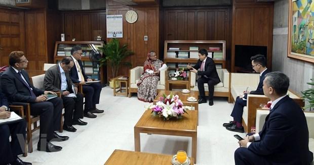 La Premiere ministre bangladaise recoit le nouvel ambassadeur du Vietnam hinh anh 1