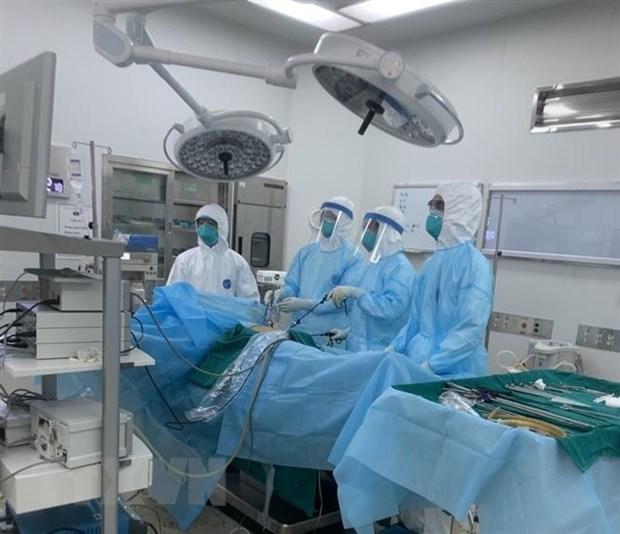 23 patients atteints du COVID-19 testes negatifs pour la 2e fois au Vietnam hinh anh 1