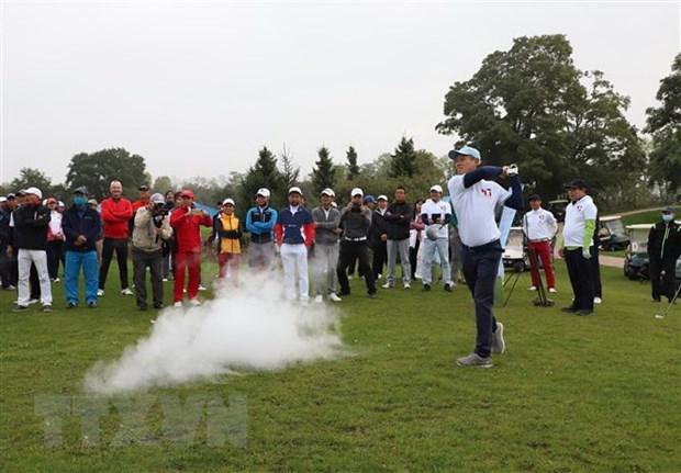Pres de 80 golfeurs au tournoi d'amitie Vietnam-Allemagne 2020 hinh anh 1