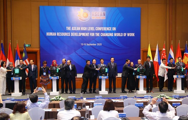 L'ASEAN souligne l'importance du developpement des ressources humaines hinh anh 1